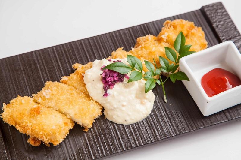 上杉軍:豪華絢爛太刀魚フライ 大好物の梅肉を添えて 1,280円+税